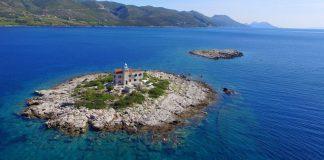 Authentic Croatia – book a lighthouse