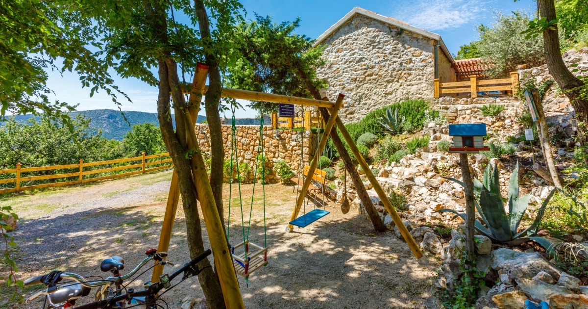 Accommodation offer for family nomads in Croatia - playground for children